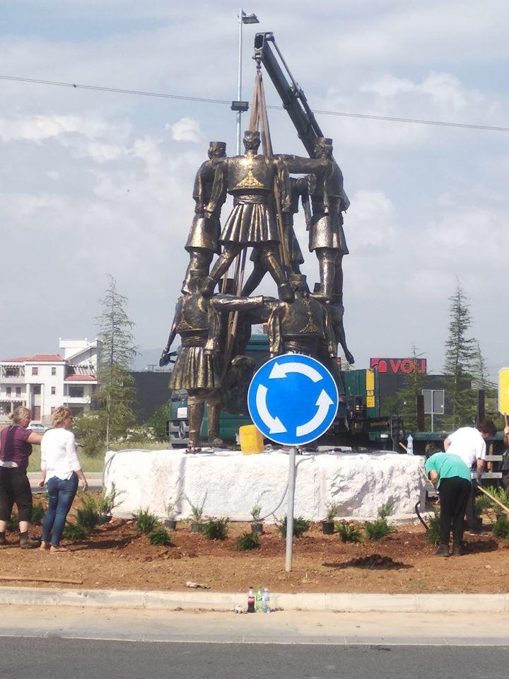 Video Spomenik Crnogorsko Oro Dobio Novu Lokaciju U Podgorici