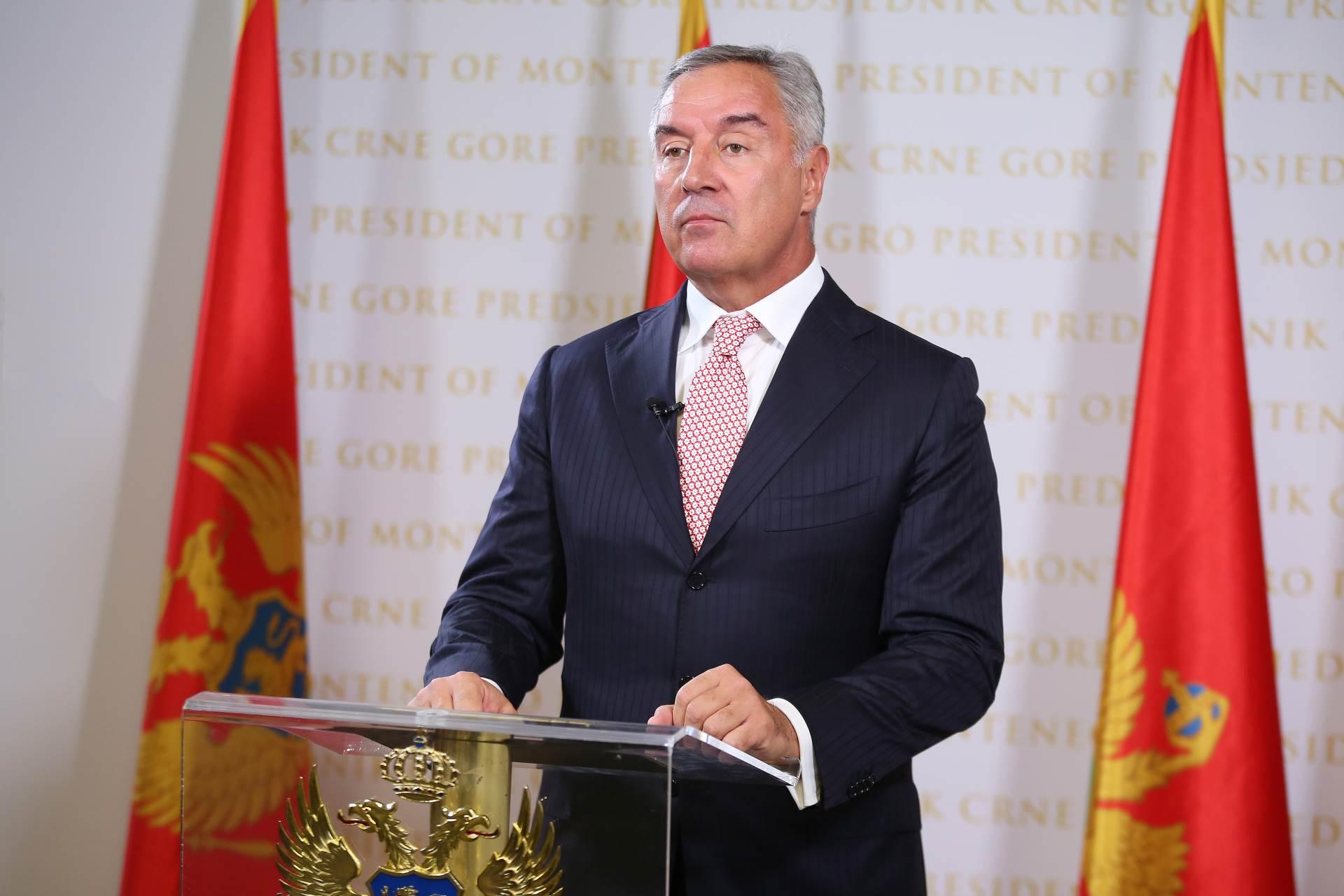 Đukanović: Obavezati Vladu da Temeljni ugovor sa SPC ne bude na štetu nacionalnih interesa Crne Gore