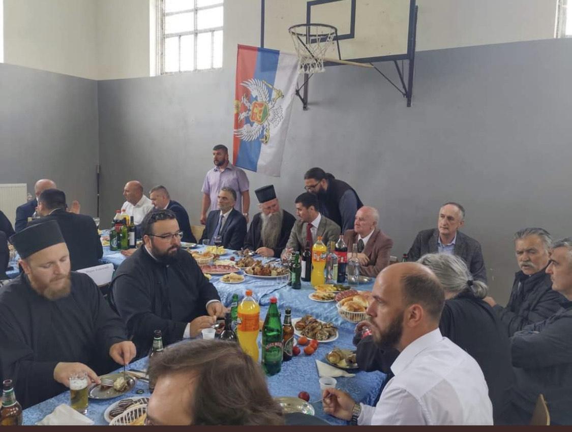CKM: Ministarka Bratić da odgovori ko je dozvolio isticanje trobojke u školi u Murinu