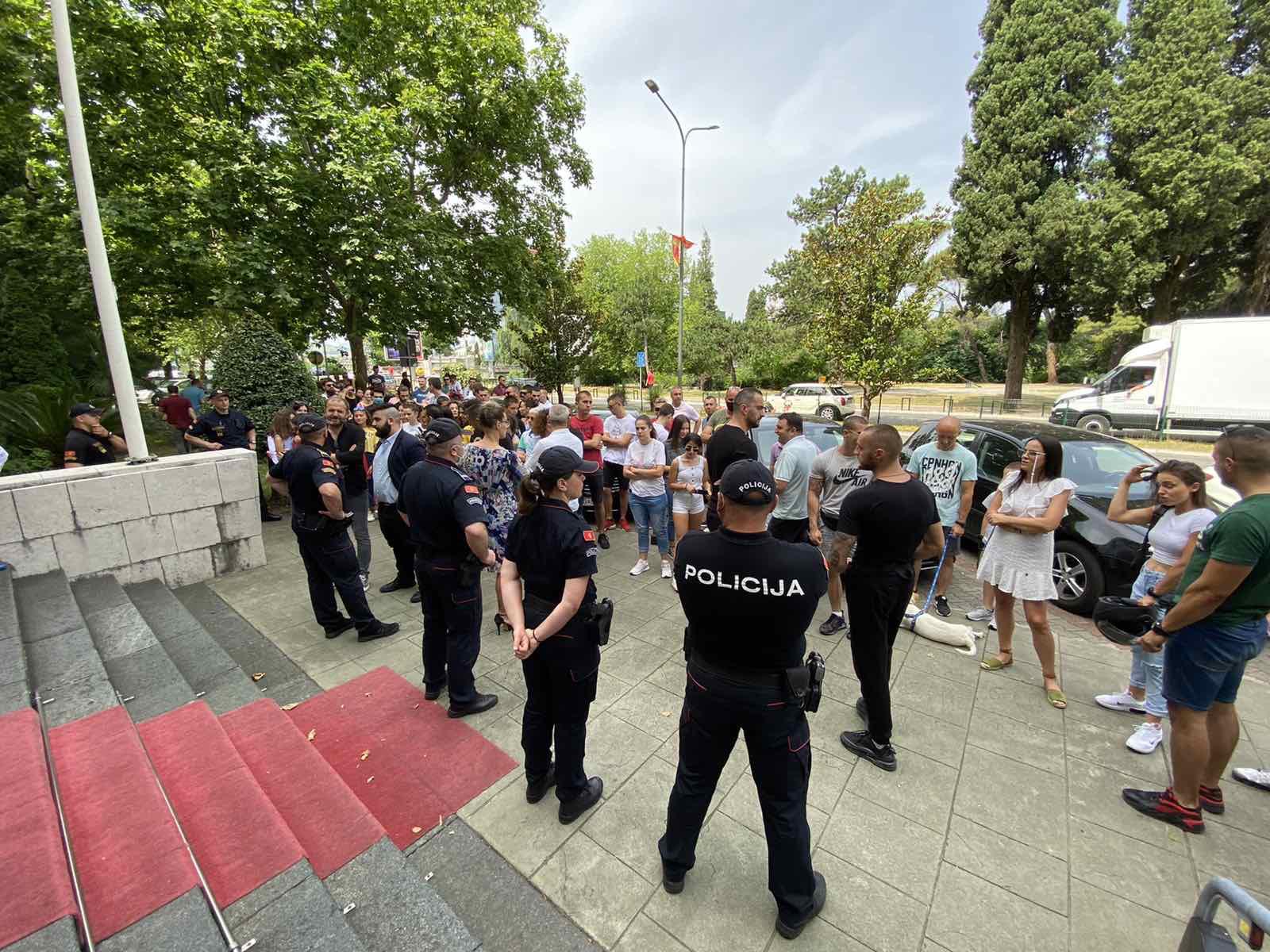 Građani traže smjenu direktorice Centra za socijalni rad Marije Popović i razrješenje Marice Stijepović