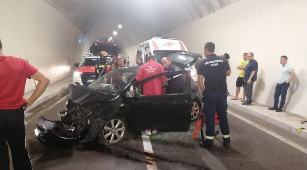 Povrijeđena jedna osoba u saobraćajnoj nesreći u Njegušima