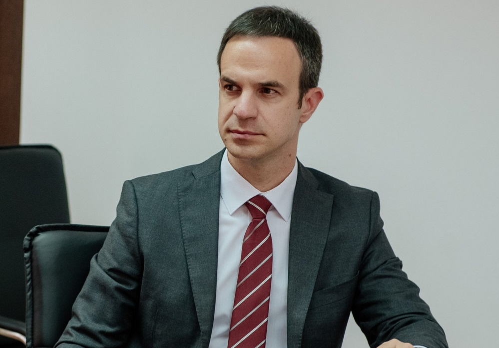 Mugoša: Vlada Hrvatske ograničava cijenu goriva, Vlada CG opravdava poskupljenje od 30%